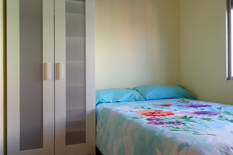 room 1 person