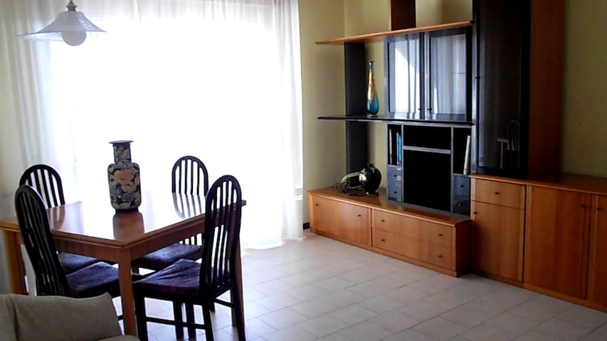 5 people close to 5 terre! - Santo Stefano di Magra - Flat