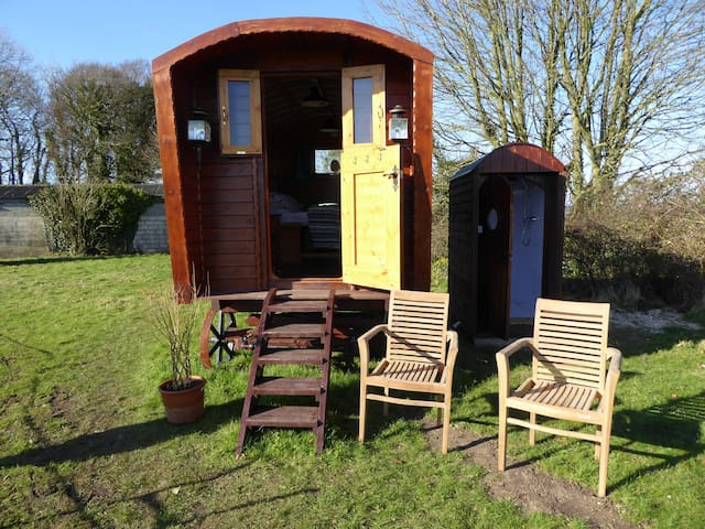Jurassic Shepherds Hut with beautiful views. - Winfrith Newburgh - Cabana