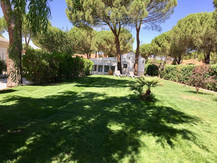 House 4 km from Medina del Campo in pine forests