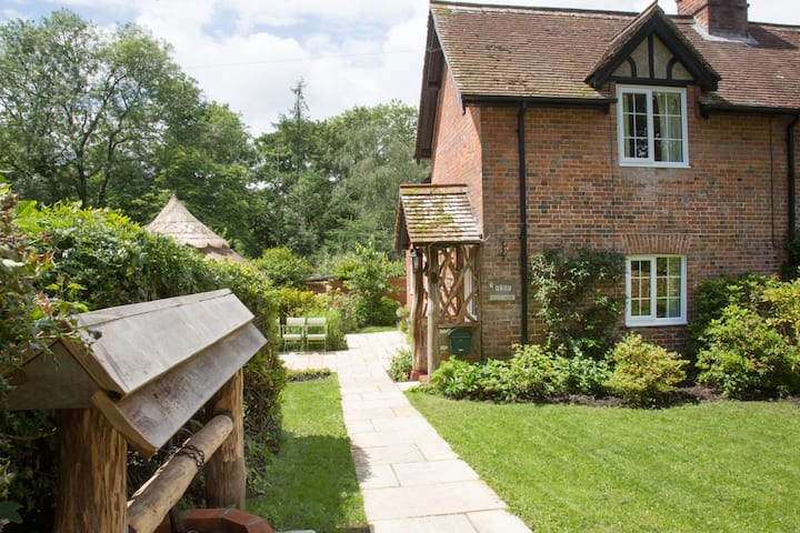 In Heart of the Newforest our Rose Cottage