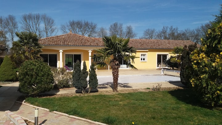 Maison avec piscine au coeur du Beaujolais