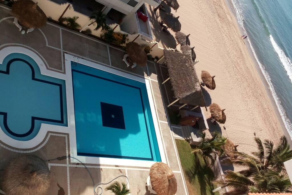 Fraccionamiento privado con pie de playa.