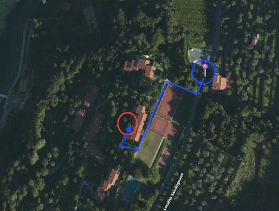 Once you arrive at the bus stop - tennis courts Sinchignano (blue circle), follow the blue line until you reach the red circle (listing location). Approx. 120m; Less than 1 min. walk.