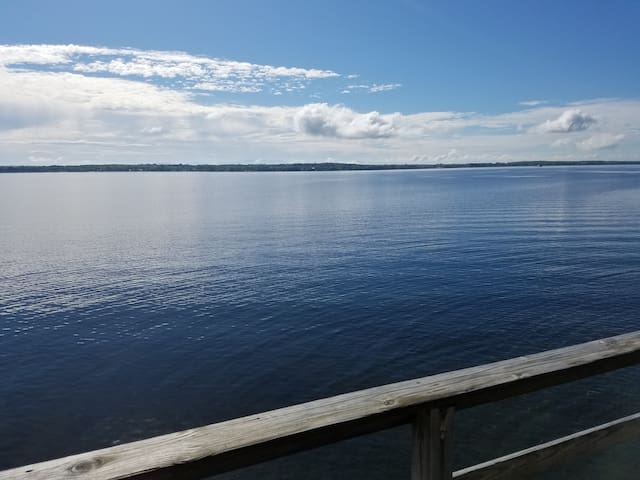 Cozy Lake Champlain Cottage - Great Value