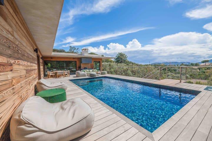 Villa 5* Cala Rossa 350m2/ 2 piscines chauffées