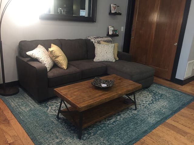 Gorgeous Condo in the Heart of Downtown Columbus!