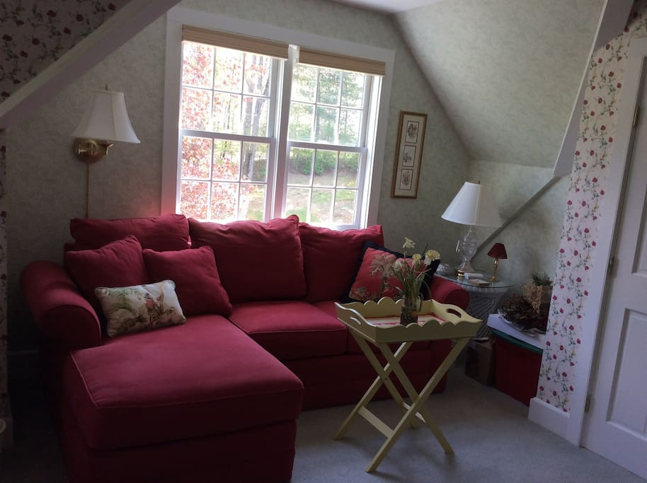 Relax on the over-sized sofa and chaise in the seating area