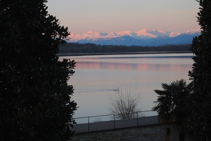 LagoRà Viverone B&B... La terrazza sul lago