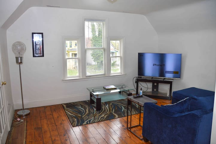 Smoke Friendly  Disinfected   West Village Flat