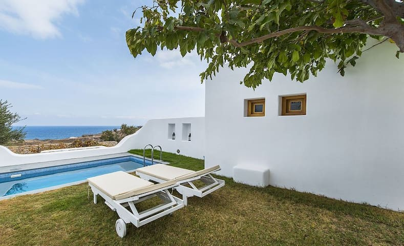 GRARSAN401-4 Villa With private Plunge Pool