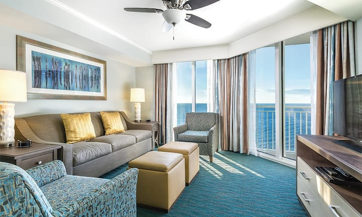 2 BEDROOM OCEANFRONT SUITE ★ Accommodates Up to 6 Guests - Full Kitchen - W/D - 2BA