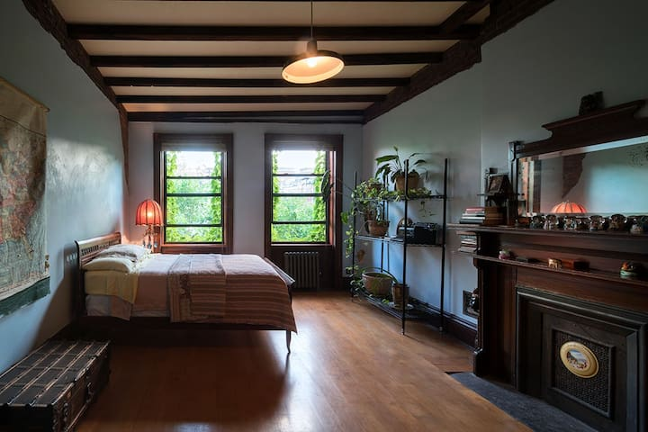 The Cozy Cole room at Harlem Townhouse