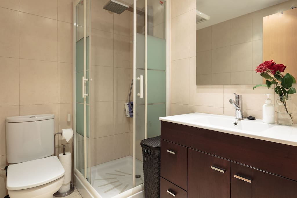 You also have a private modern bathroom that is all yours to use. It has a special jet shower that is super relaxing after a long day. We provide amenities like soap, shampoo and conditioner.