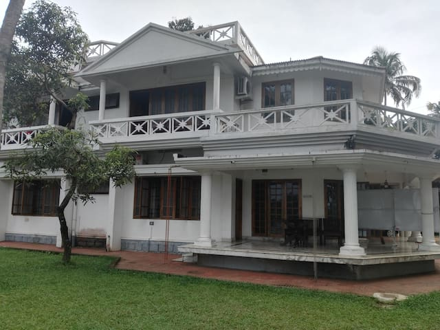 Rooms facing periyar river at Ayurvedic retreat - Aluva - อื่น ๆ
