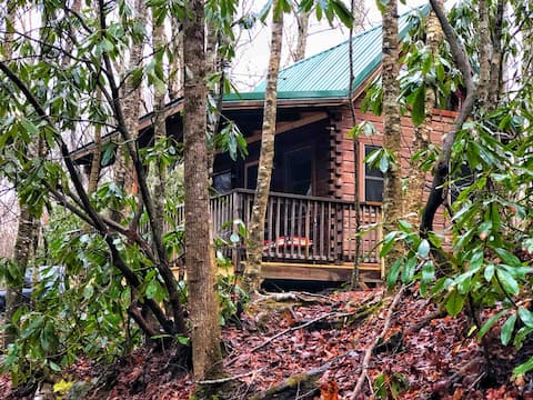 Creekside Cabin ---Peaceful & Private