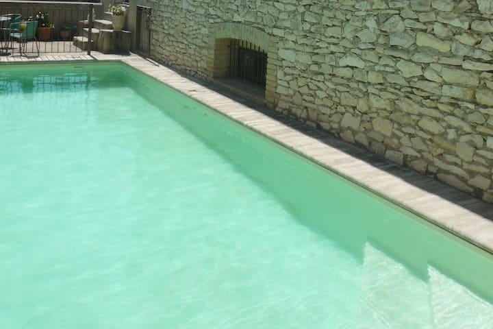 large farmhouse with pool, near Avignon