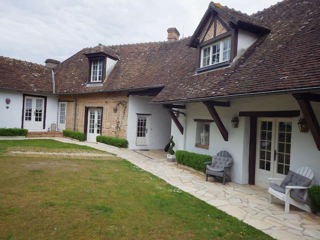 chambres d'hôtes suite pour 4 personnes - Chaumont-sur-Tharonne - Domek gościnny