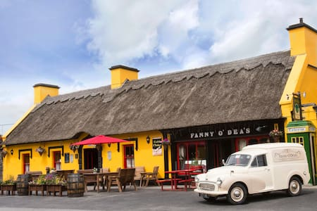 Fanny O Dea's Inn Twin Room - Ennis - Bed & Breakfast
