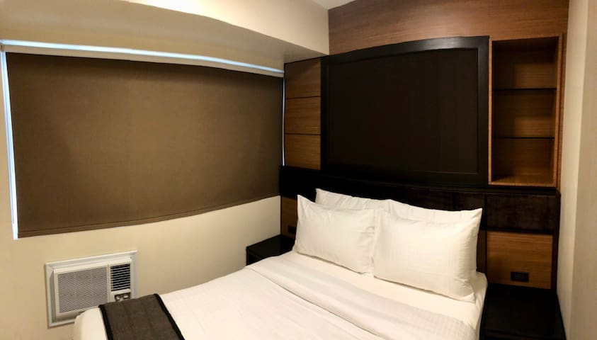 Solemare Parksuites near Mall of Asia Tower B (08)