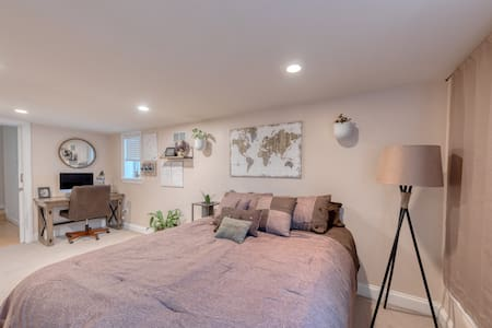 Captivating Canton Room by Fab Fells Point/Harbor