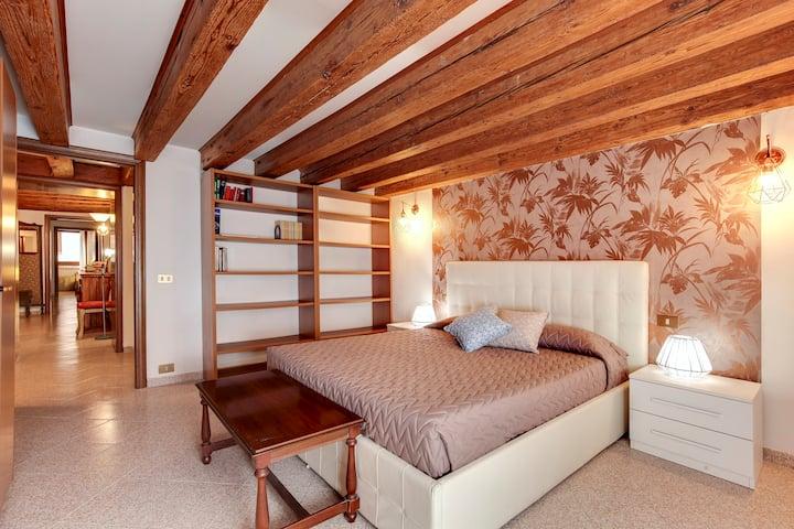 Ca Serenissima 3 Camere 3 Bagni A Castello Appartamenti In Affitto A Venezia Veneto Italia