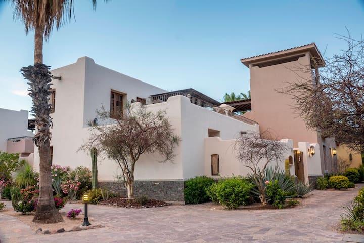 Loreto Bay-Luxury Mexican Villa FN121