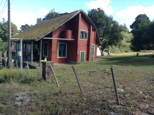 Beautiful original house.Renovated, close to Lake