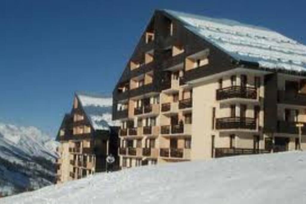 La résidence, skis aux pieds