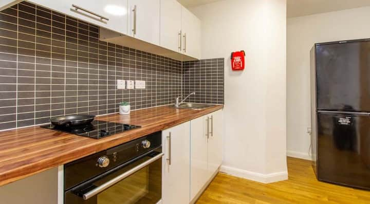 intimate Deluxe 2 Bed Apartment Non Ensuite