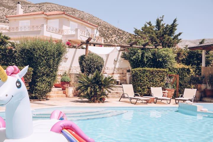Summer Villa Lagonissi