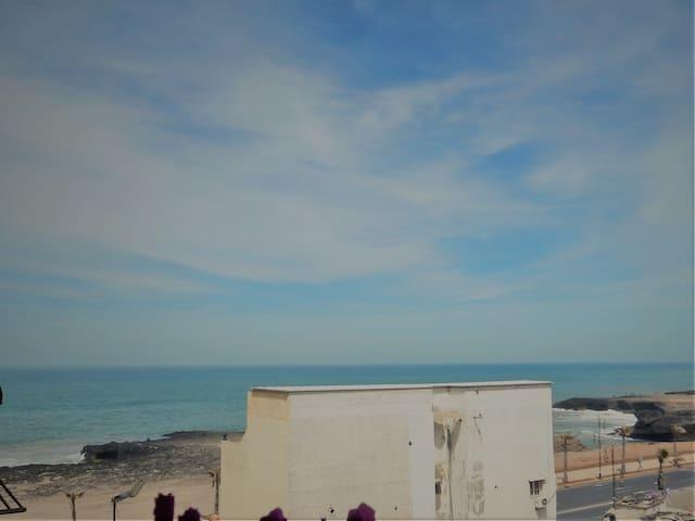 BEAUTIFUL ROOM NEAR BEACH CENTER RABAT JUST WOMEN