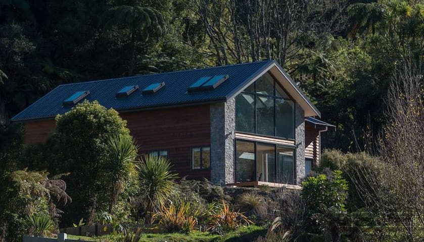 The Lake View - peaceful native bush setting - Rotorua - Dům