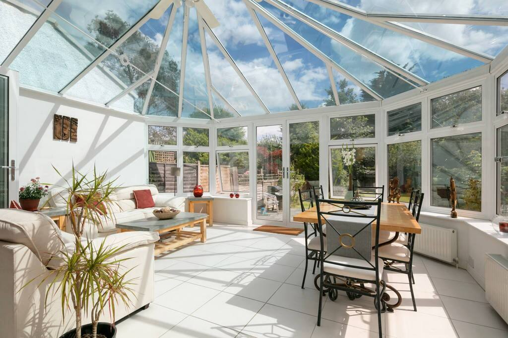 Beautiful shared conservatory