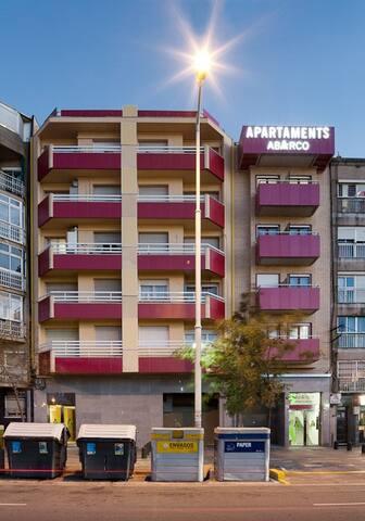 Spacious, 3-bedroom apartment in BCN's metro area