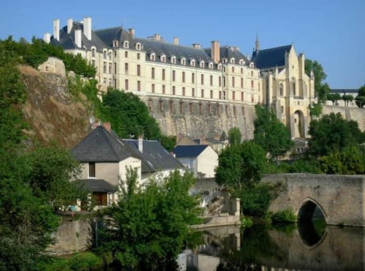Chambre privée - à 2 pas du chateau de Thouars