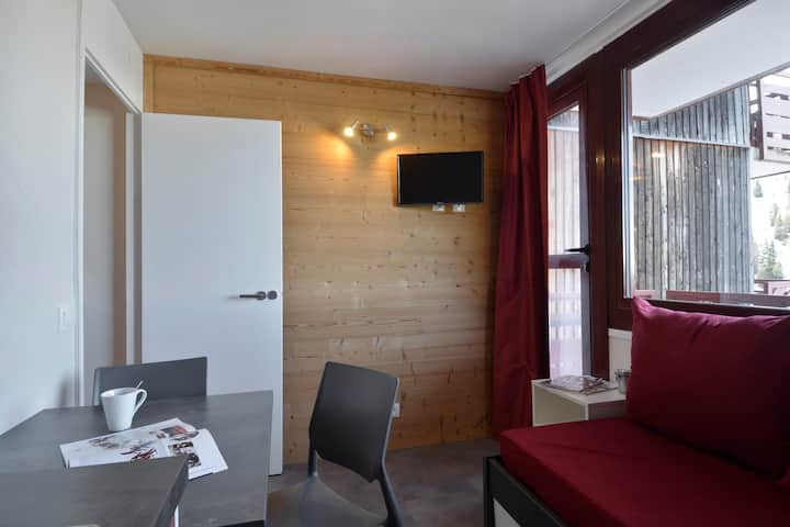 Refurnished studio for 2 people of 14m2 in the resort center