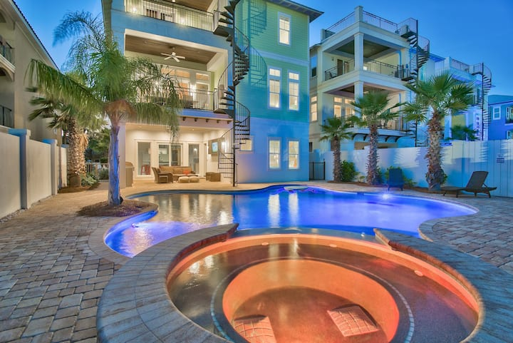 Aqua Palms~ New Luxury Heated Pool Home with Gulf Views