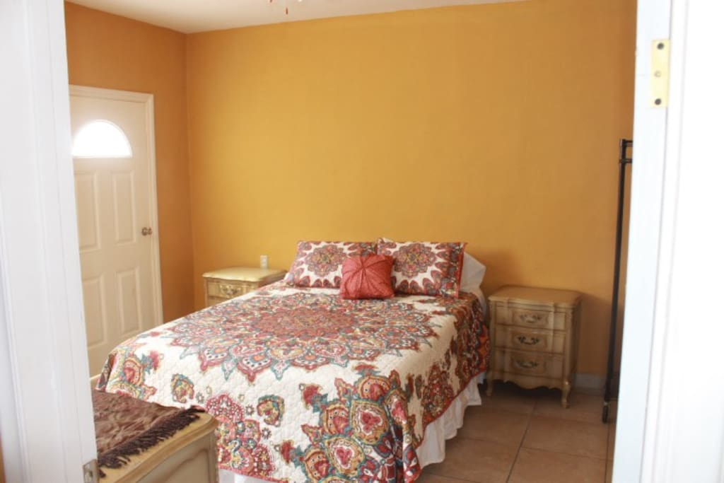 Back house private Master Suite, can be rented separate for 2 people