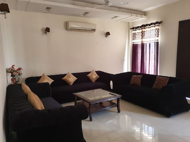 Indep, Entire, 03 BHK, Golf Course, Airport, Cyber