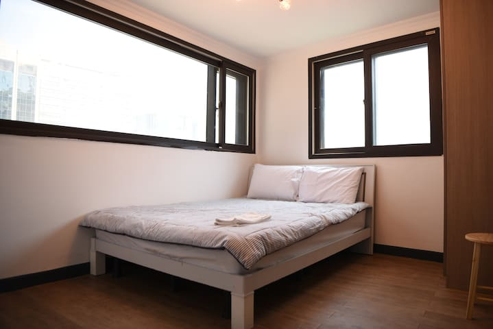 501A#3-minute to Myeongdong/double room/Cozy&Clean