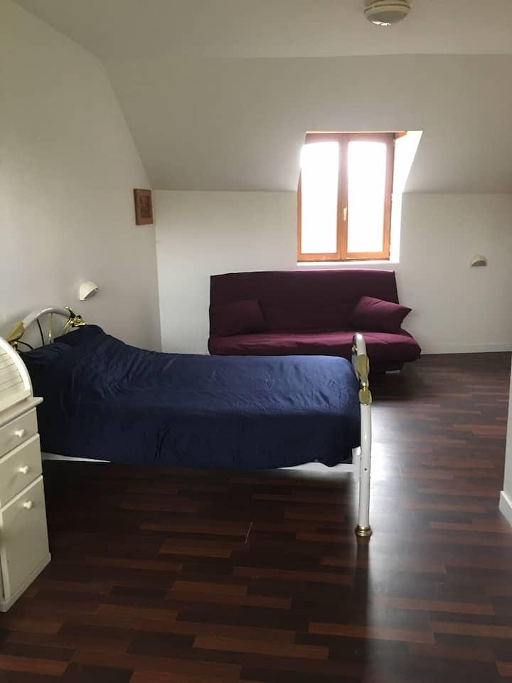 Chambre privée (4 pax) au Gîte du petit château