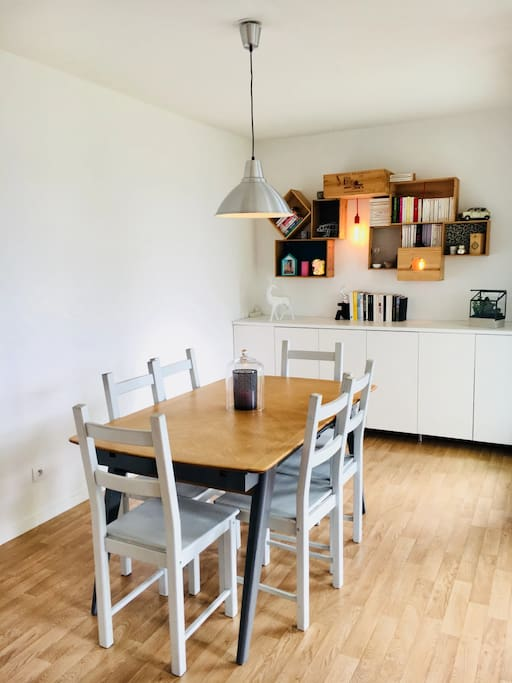 Large dining table for 6 people