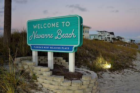 Navarre Beach Small Studio w/ Pool