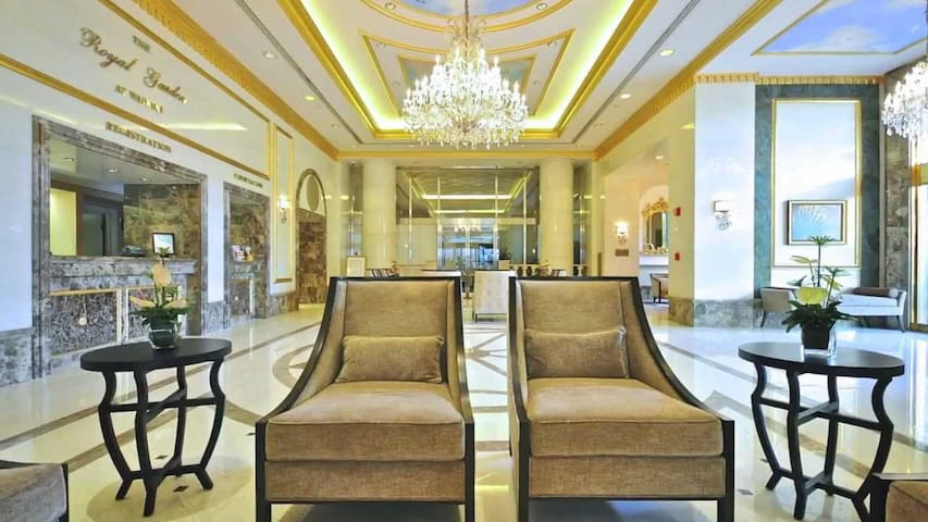 Honeymoon suite style room