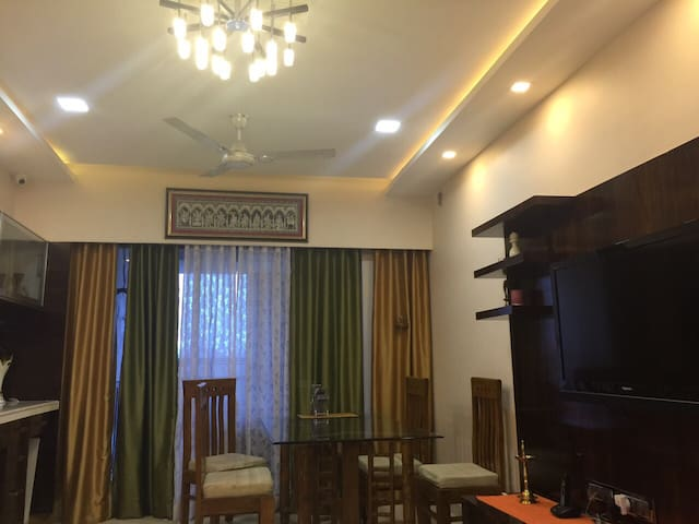 Feel 5* Living @ Home - Thane - Appartement