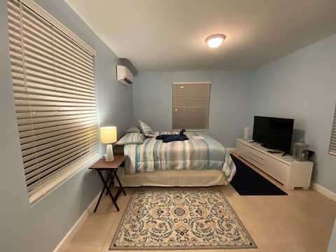 Clean Hollywood,Hard Rock Casino/BeachCozy studio