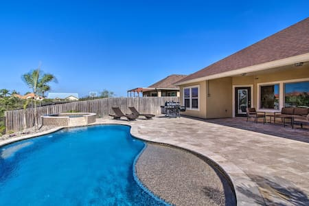 South Padre Home w/ Saltwater Pool Near Golf!