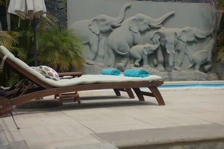 Amazing eco-friendly cave with pool in Tenerife - San Cristóbal de La Laguna - Earth House