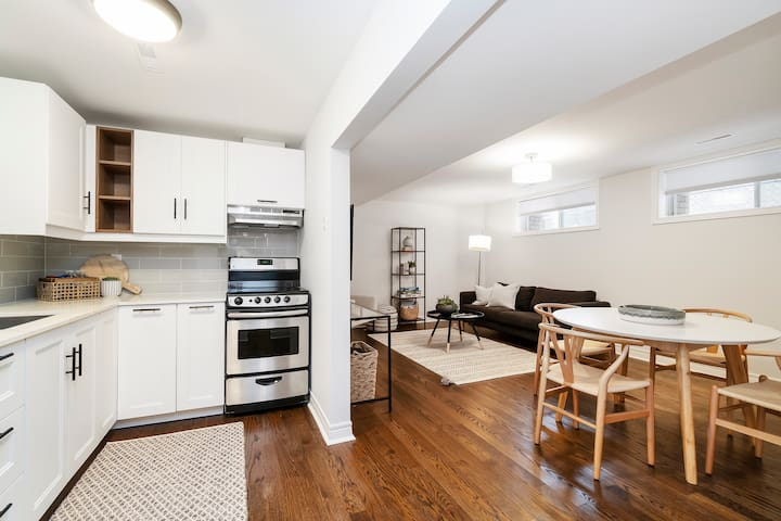 Luxurious•Central•King bed•Free Parking•2Baths